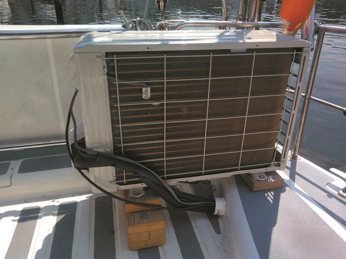 Mailport: oil filters, cabin fans, Catalina 22, Hunter 30, watermakers