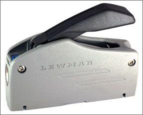 Lewmar D-1