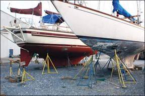 Do-It-Yourself Boatyards