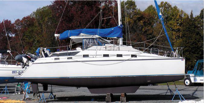 DQ 32 catamaran